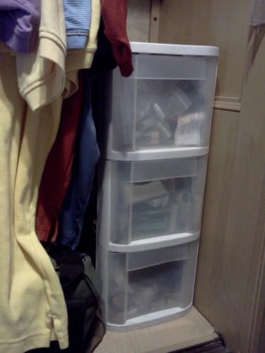 closet storage drawers