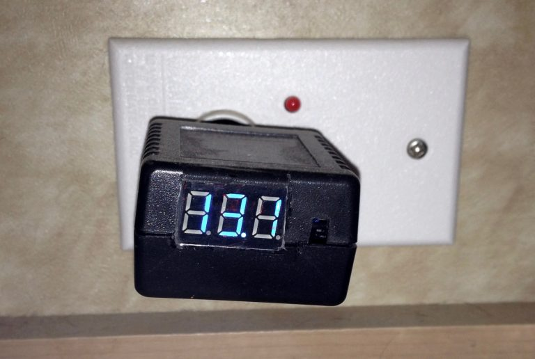 My RV battery voltage monitor